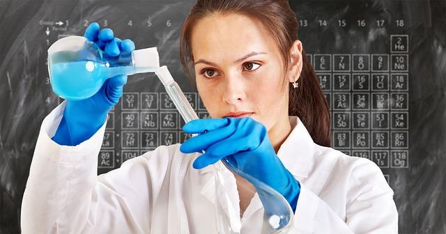 chemist-3014142_640